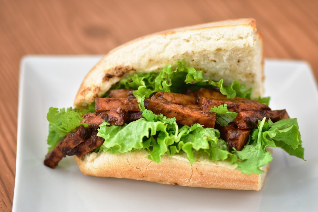 20150509 Peking Pork Sandwich 006-Edit
